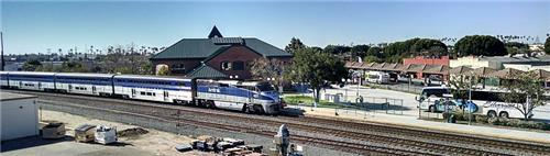 Oxnard Metrolink and Amtrak